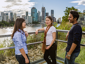 International Students  chatting from the lookout at Kangaroo Point, Brisbane